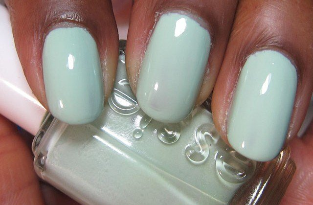 """Essie Mint Candy Apple"""