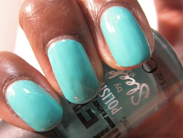 Sleek Nailed Polish Turquoise