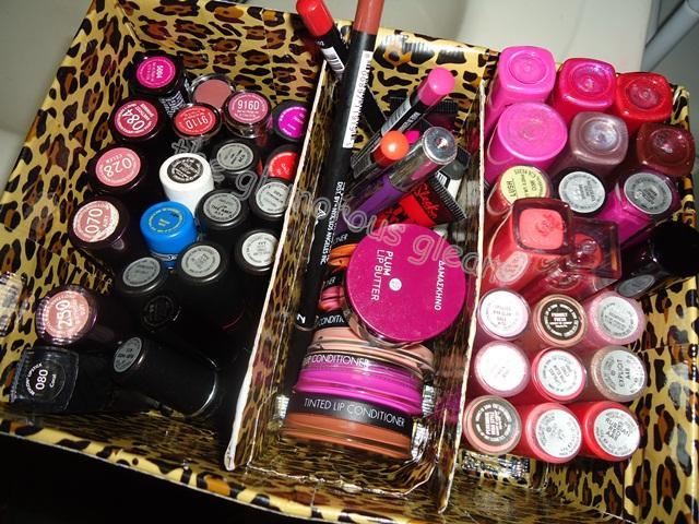 """""""Do It Yourself Lipstick Storage"""""""