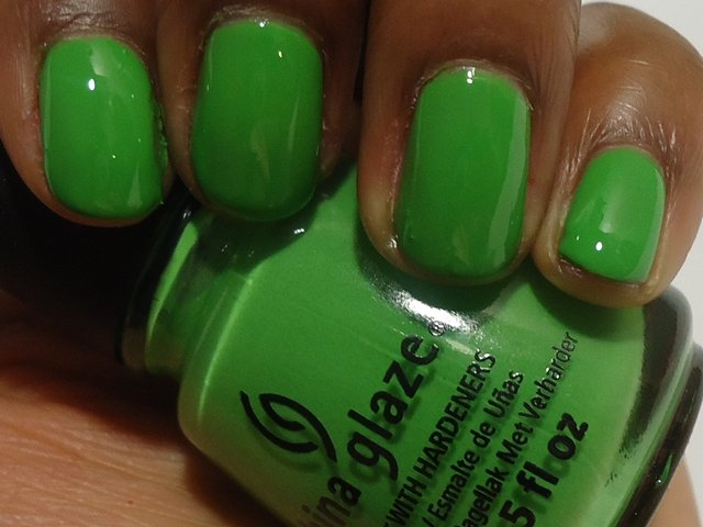 China Glaze Electropop Gaga For Green