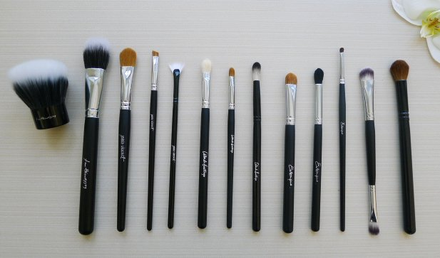 TMS-NYC-2012-Exclusive-brush-set