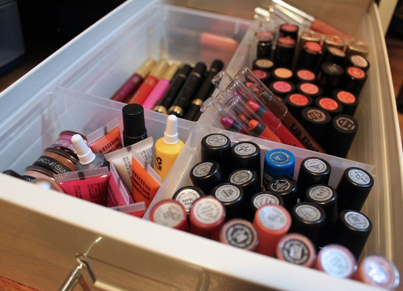 Makeup-Storage-Ikea-Helmer-Cabinet12