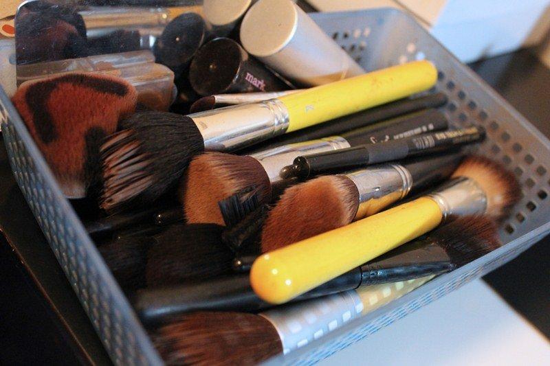 Makeup-Storage-Ikea-Helmer-Cabinet5