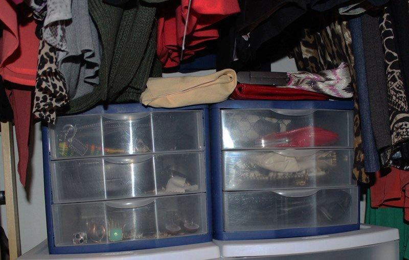 organize-small-closet-18