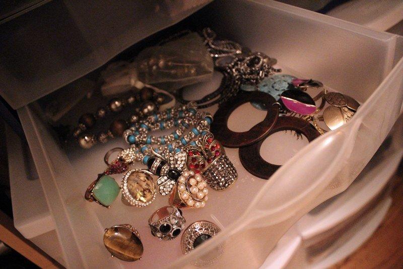 organize-small-closet-19