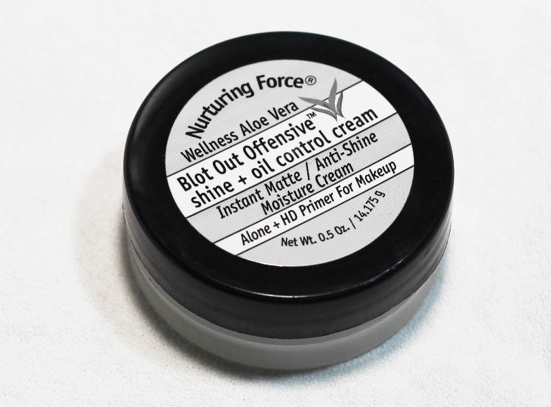 Nurturing Force Blot Out Offensive Shine + Oil Control Cream
