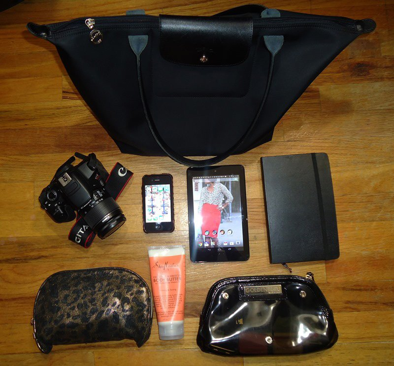 blogger on the go what's in my bag