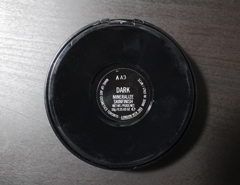 MAC-Mineralize-Skinfinish-Dark-2