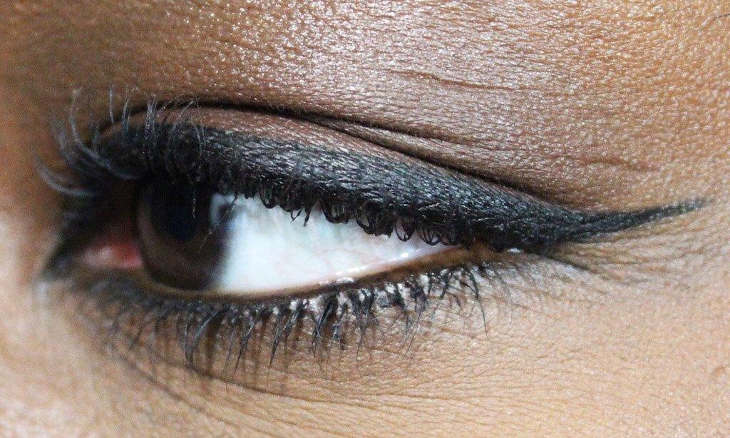 covergirl-lashblast-intensify-me-eyeliner-4