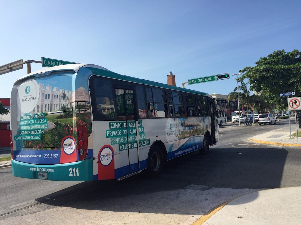 Cancun Bus R2