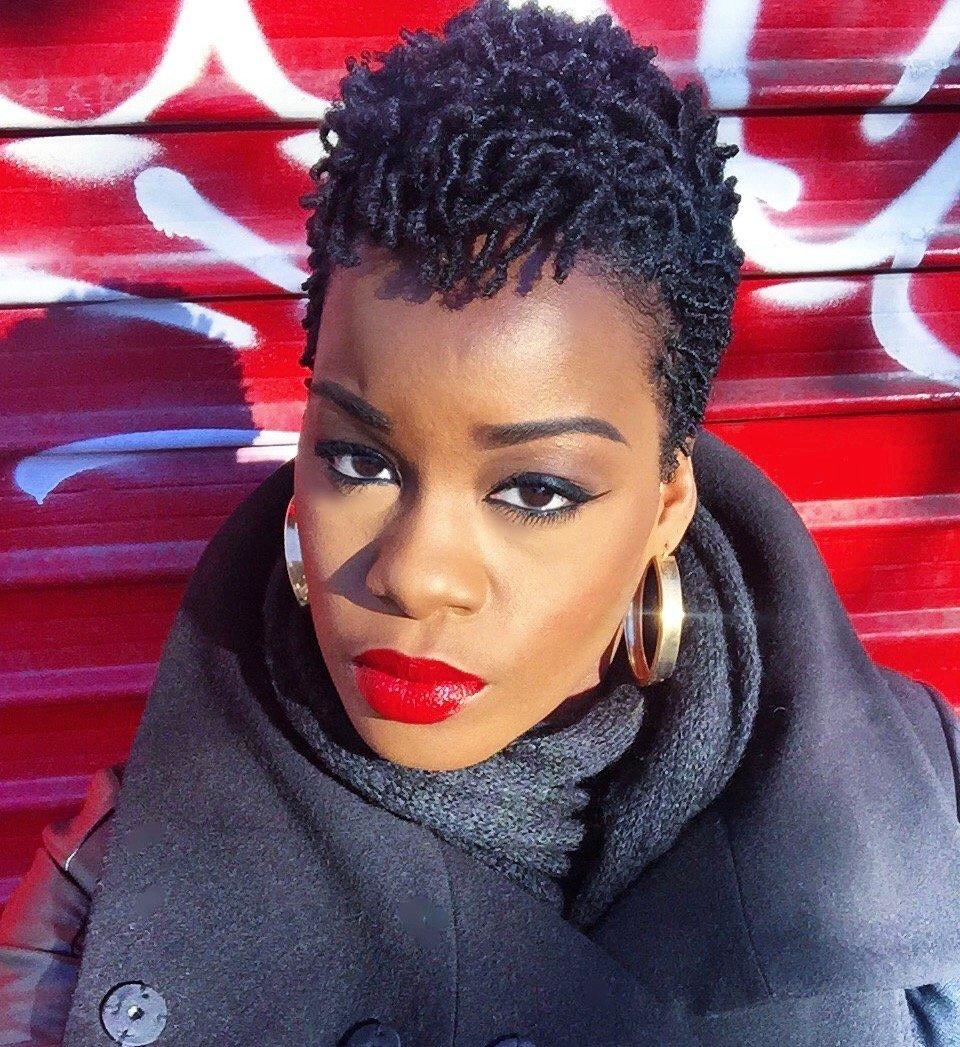 red lipstick laura gellar fifth avenue ruby