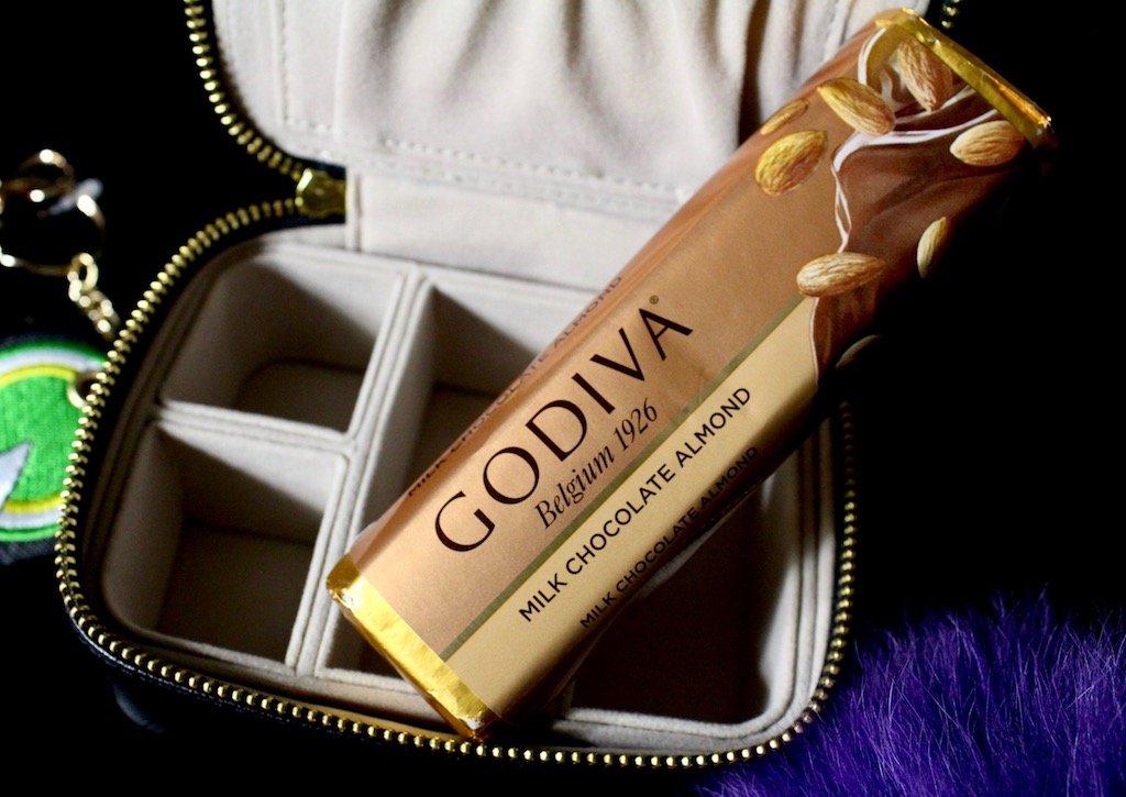 godiva milk chocolate bar