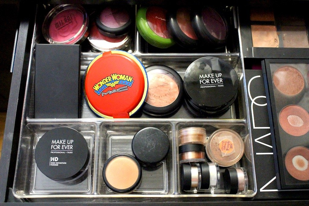 Organize Your Makeup In Drawers