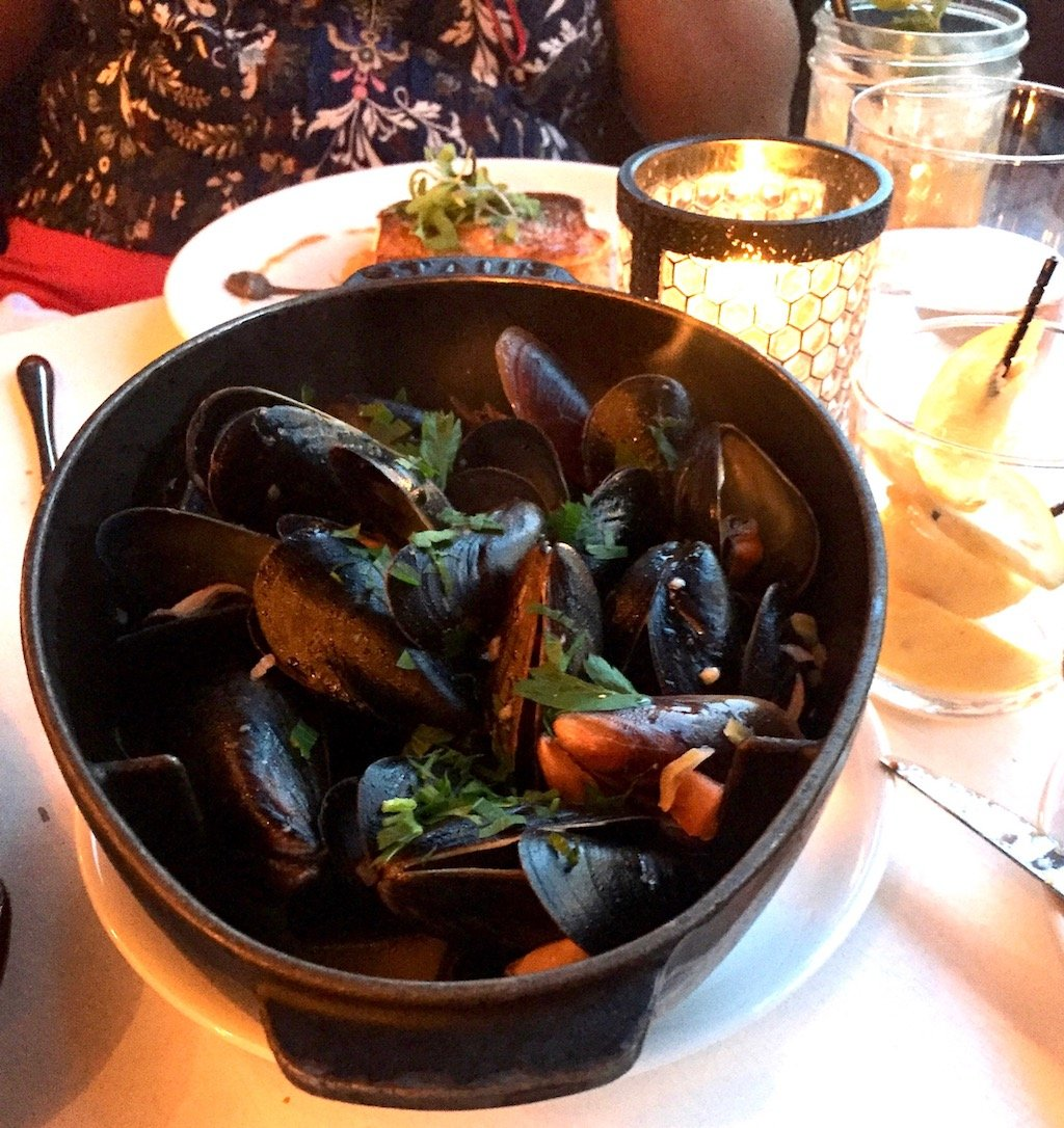 Catch NYC Steamed Mussels