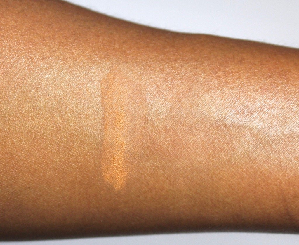 Laura Mercier Medium Deep Translucent Loose Setting Powder Swatch