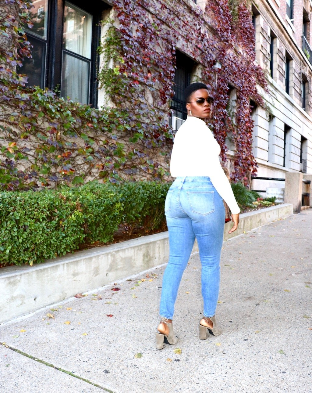 Mom Jeans for Curvy Girls