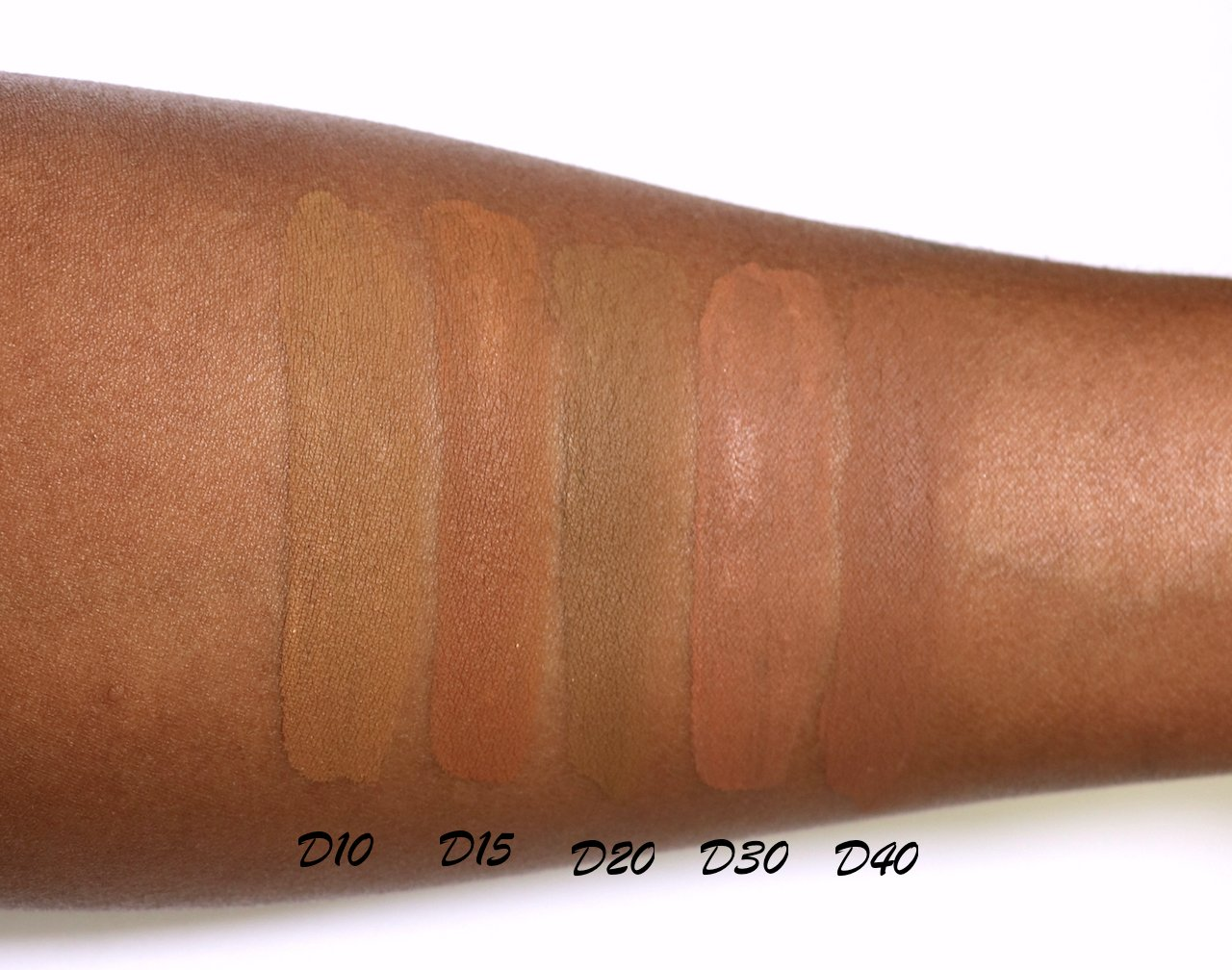 CoverGirl Trublends Matte Made foundation swatches D10-D40