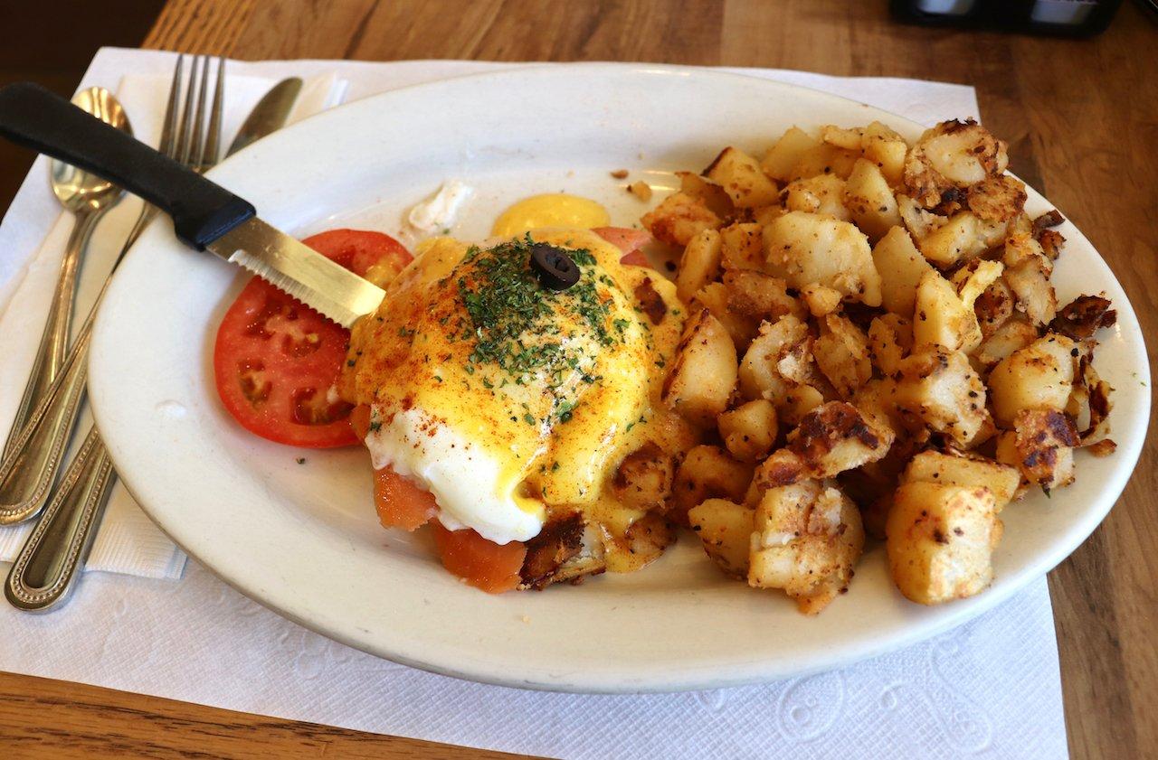 Jinky's Cafe Santa Monica Smoked Salmon Benedict
