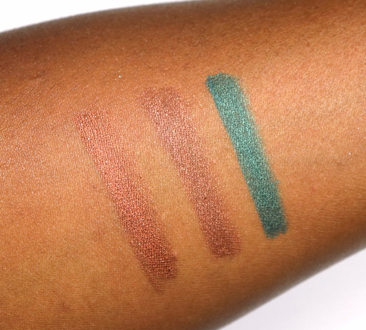 urban decay born to run 24/7 liners swatches