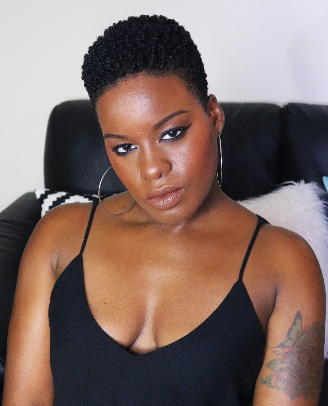 Fenty Beauty Unveil Stunna Lip Paint on Dark Skin