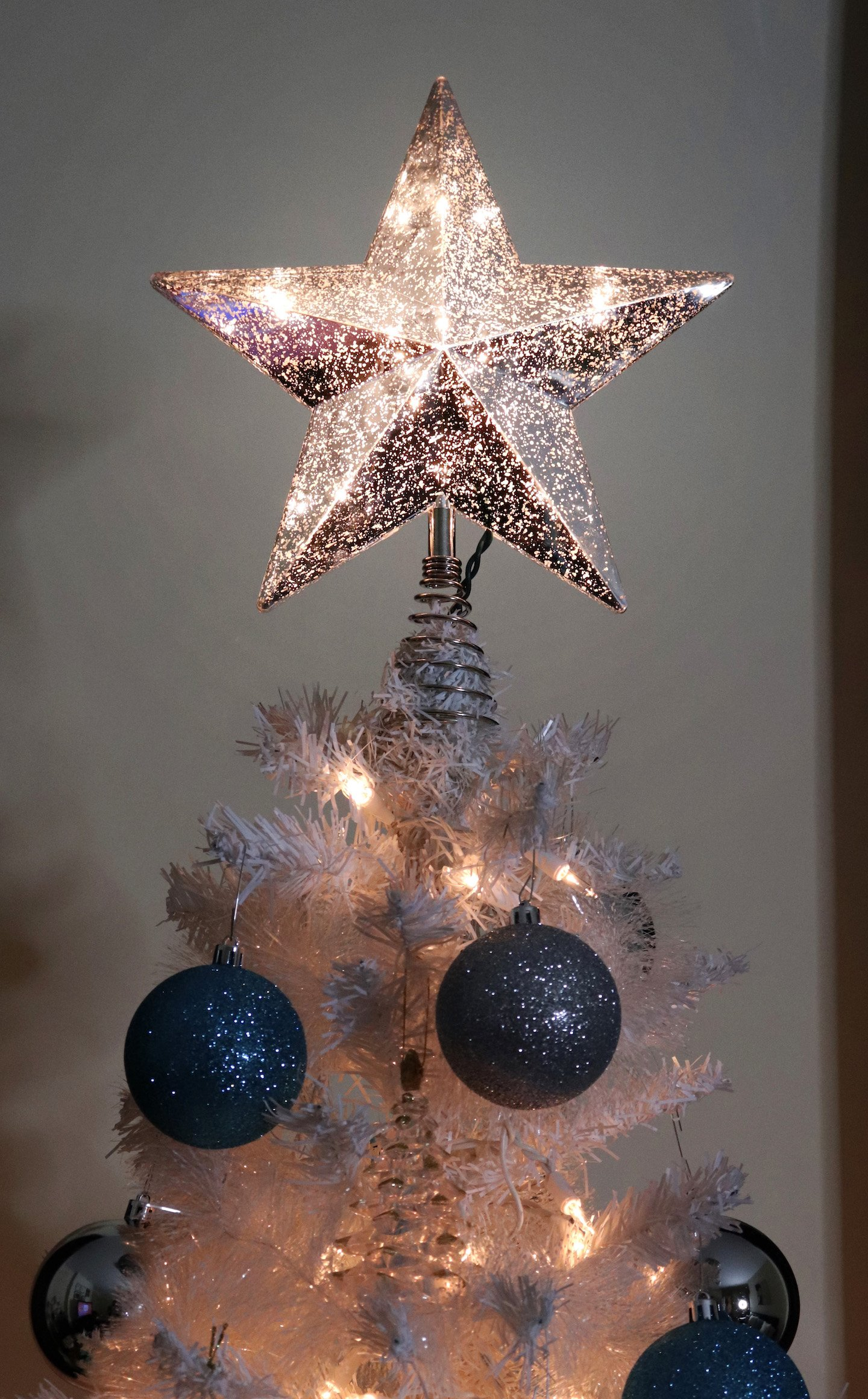 Beautiful Budget Christmas Tree Topper