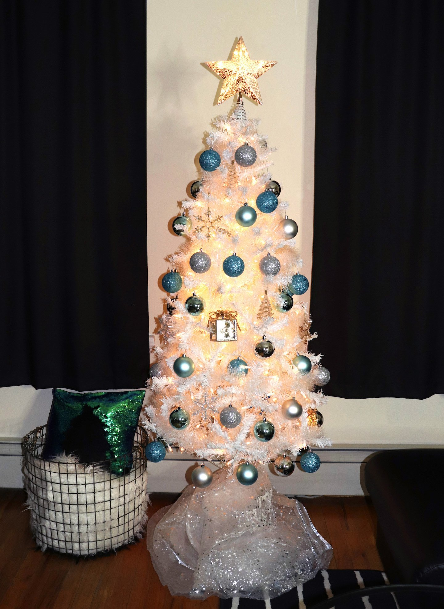 Create A Stylish Christmas Tree On A Budget