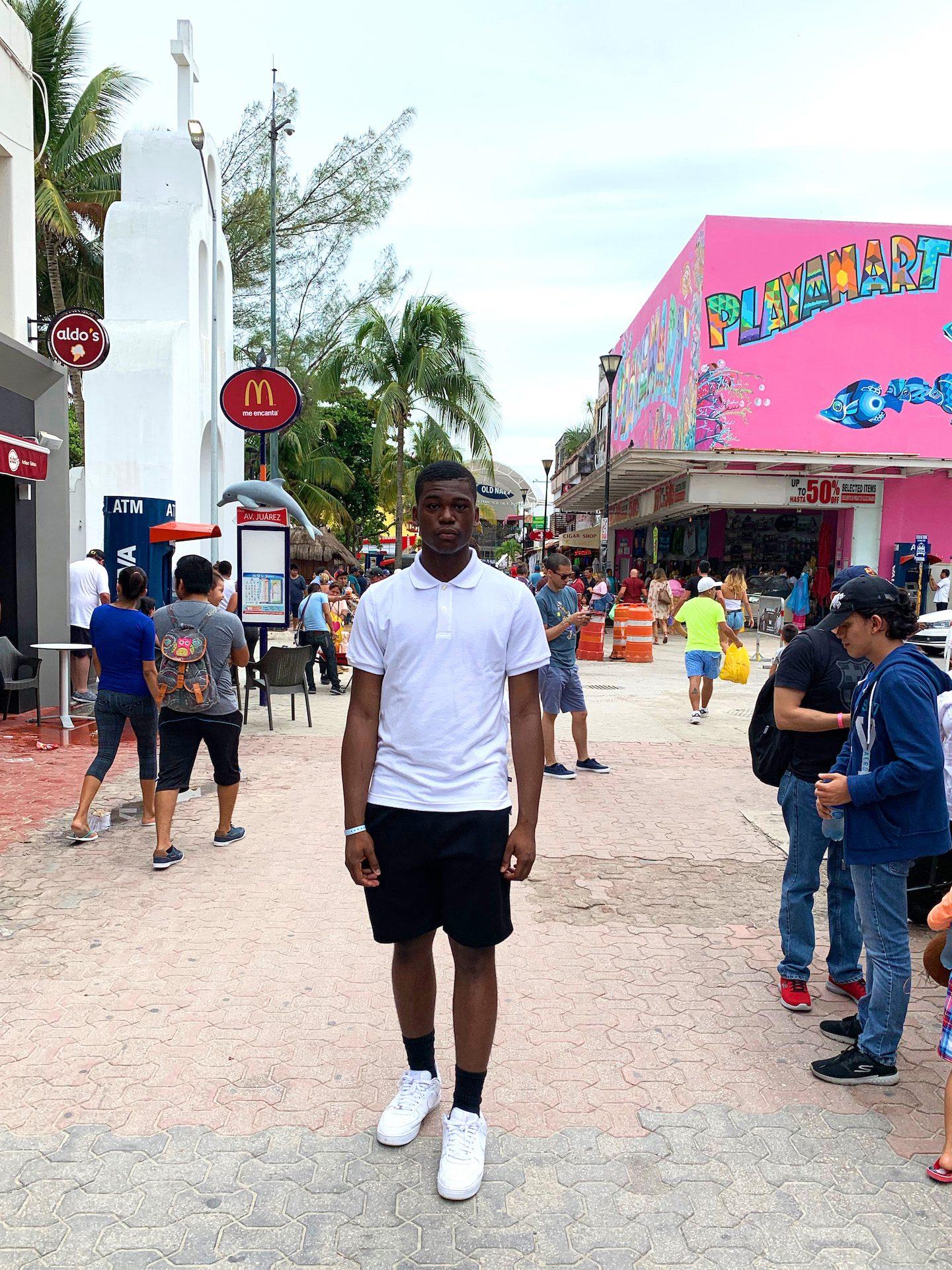 La Quinta Avenida Playacar