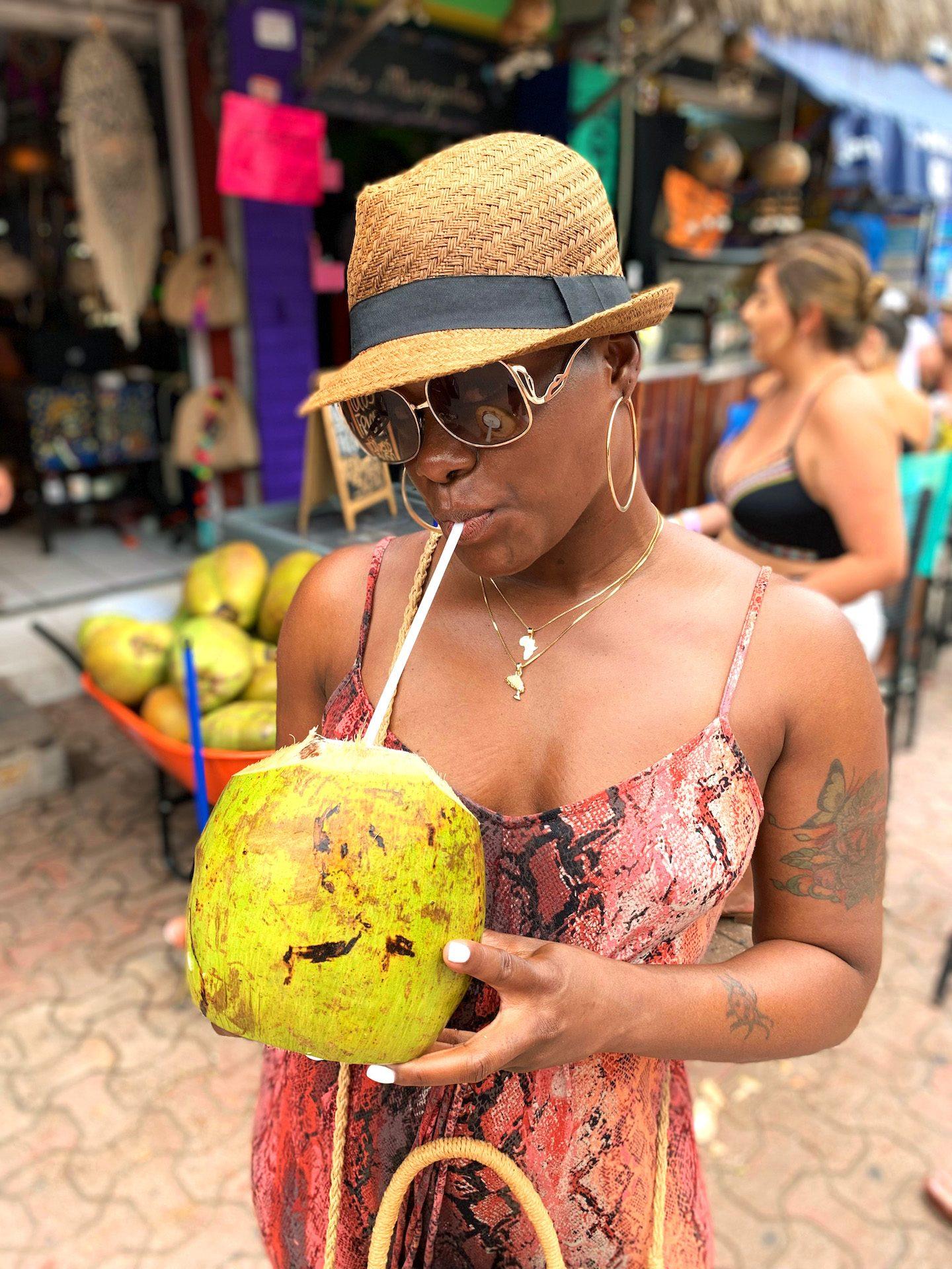 La Quinta Avenida Coconut