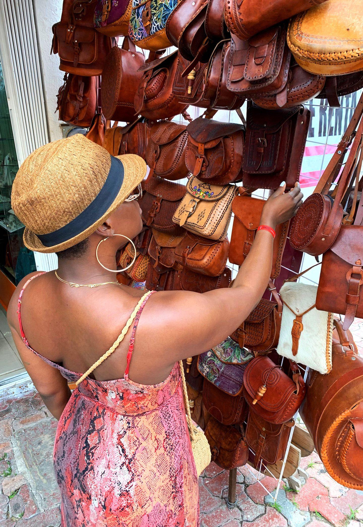 La Quinta Avenida Playacar Shopping