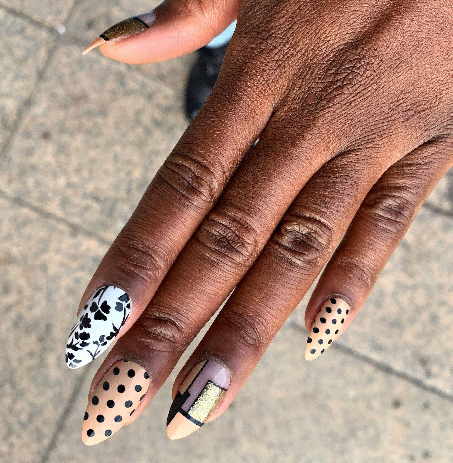 Gold Finger Posh Queen Press On Nails