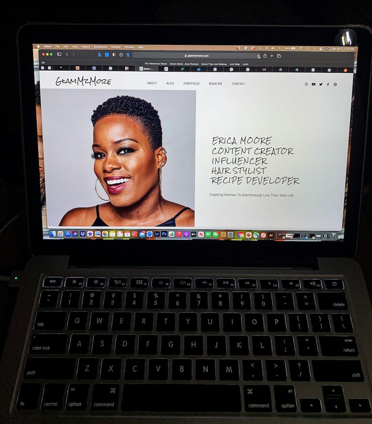 The Glamorous Gleam's GlamMzMore Personal Website